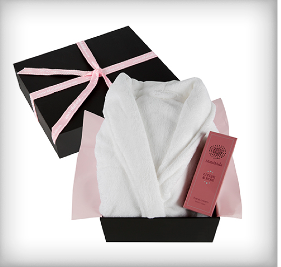 bathrobe pamper box